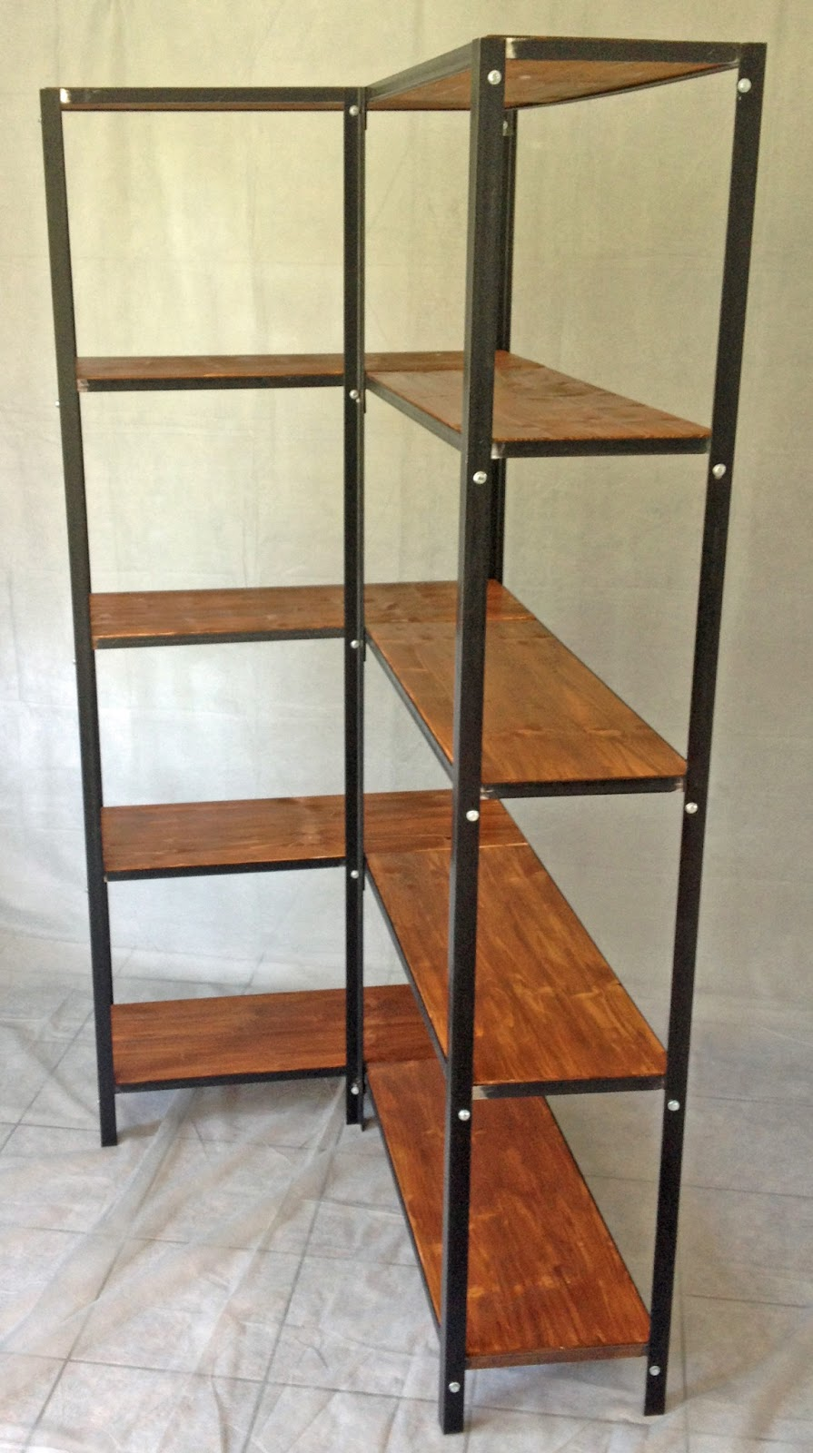 etagere d 39 angle industriel. Black Bedroom Furniture Sets. Home Design Ideas