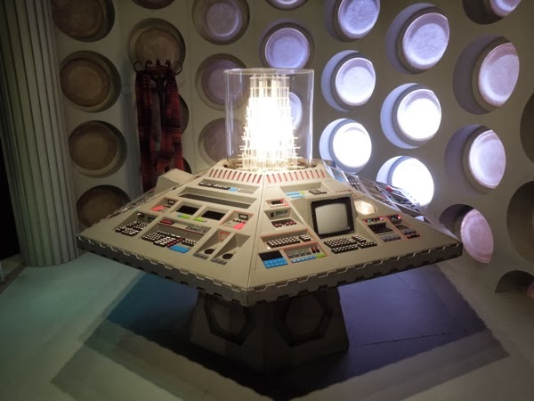Doctor Who 80s TARDIS control room