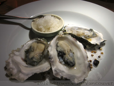 Oysters with Champagne Vinegar Granite