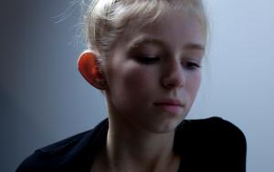 foto van meisje met flaporen uit het project 'De 8ste schoonheid'