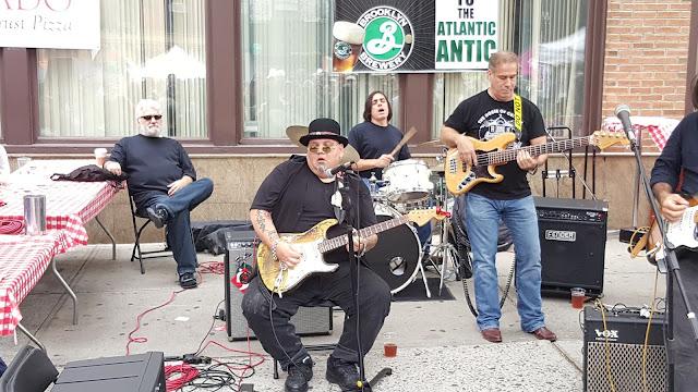 Popa Chubby Playing Guitar at Atlantic Antic