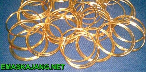 Produk2 emas keluaran emas kajang trading.