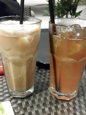 Iced latte and iced lemongrass tea at Pies and Coffees The Rochester