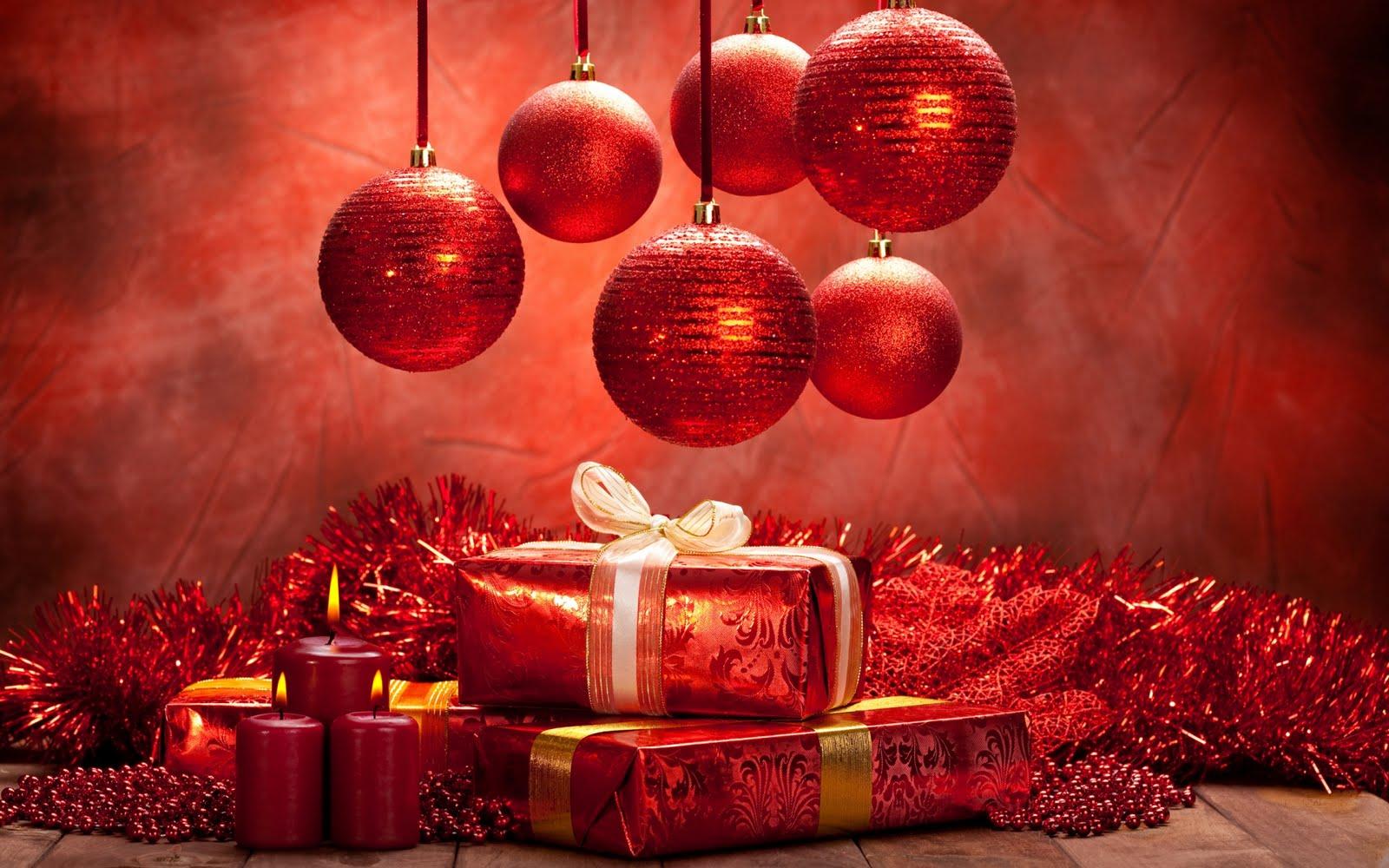 Banco de im genes esferas y regalos de navidad for Pc in regalo gratis
