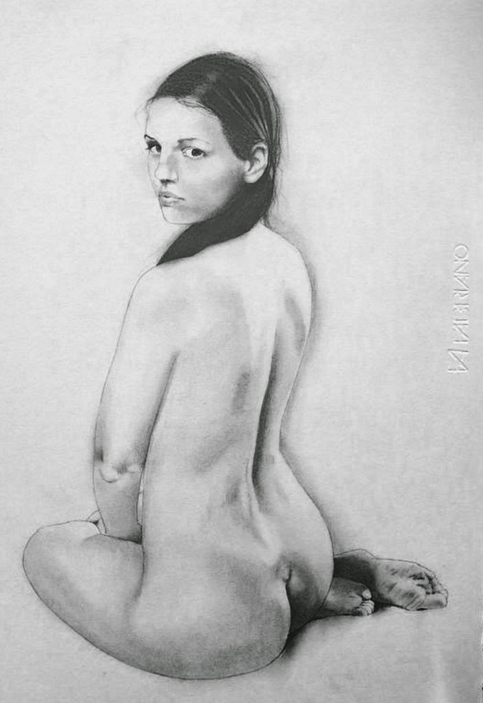 dibujos-con-carboncillo-de-mujeres