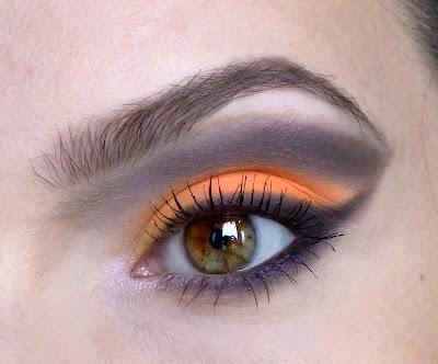 Jesienna neonówka - oczopląsowy makijaż graficzny