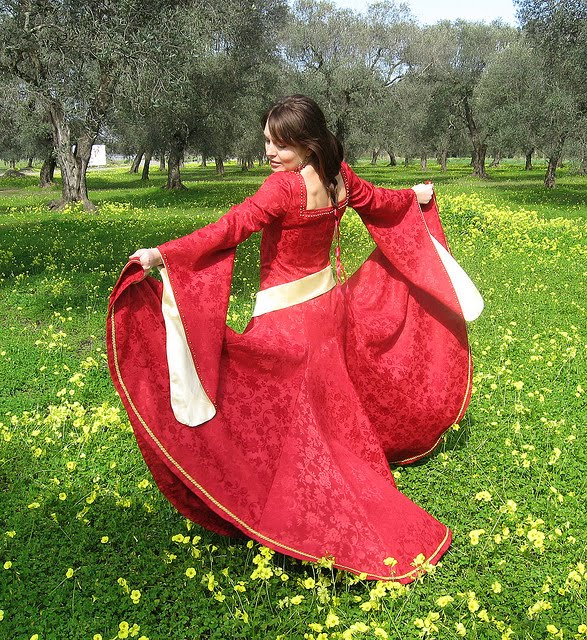 Red Gothic wedding dresses