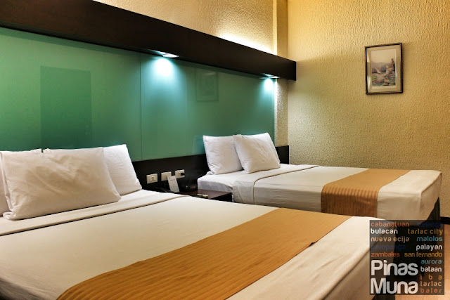 Microtel Cabanatual Hotel Double Room