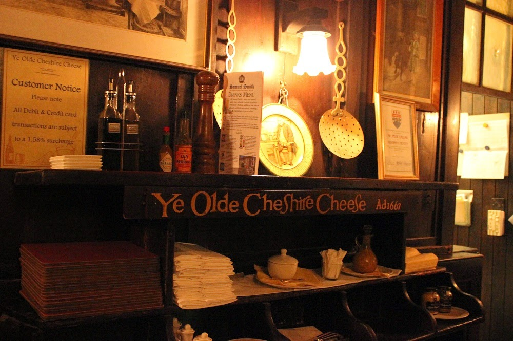 Secrets of London historic pub tour Ye Olde Chesire Cheese