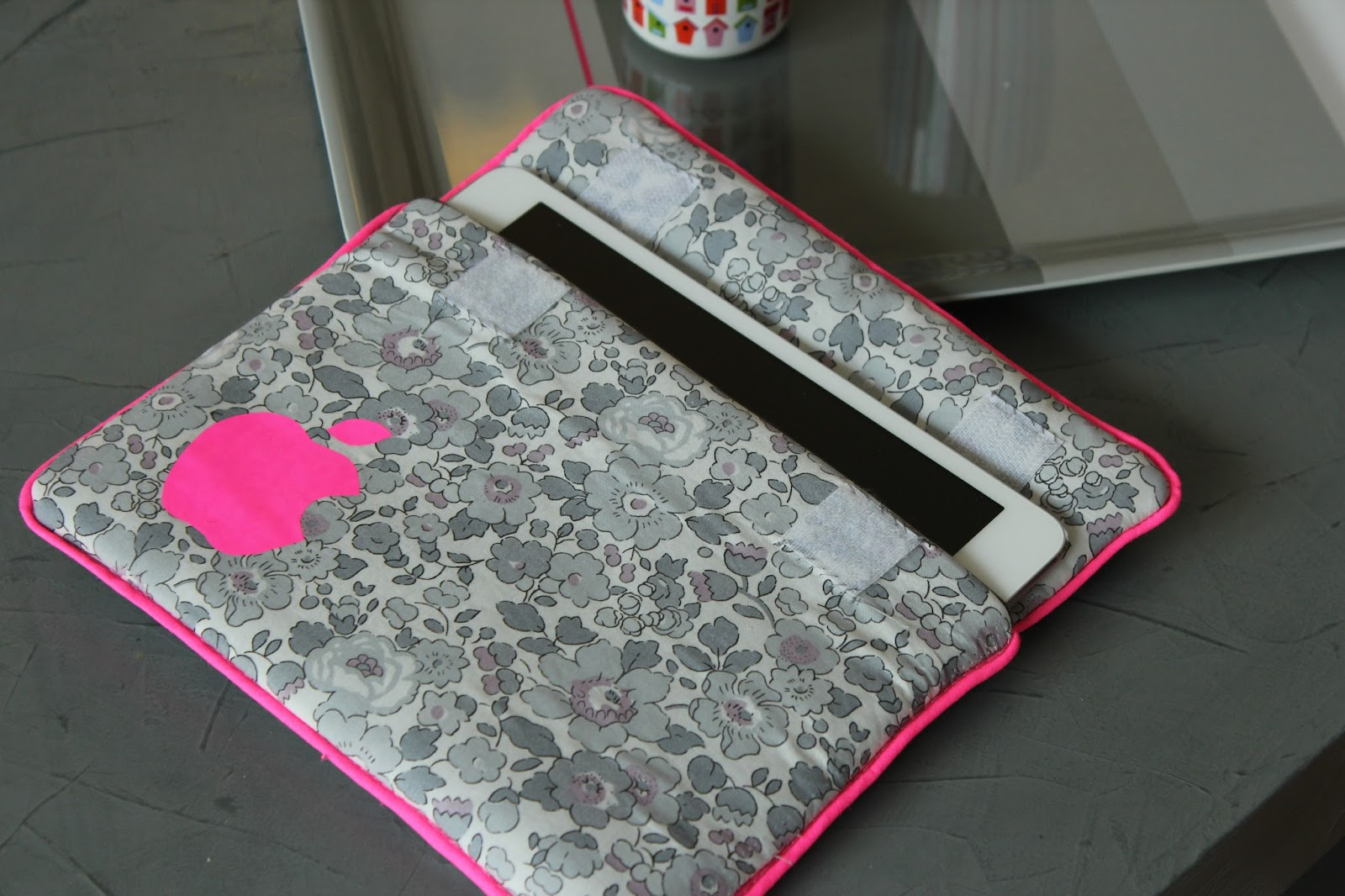 tuto couture pochette ipad. Black Bedroom Furniture Sets. Home Design Ideas