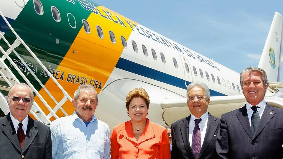 AVIÃO DA PRESIDÊNCIA DO BRASIL INDO A ÁFRICA.