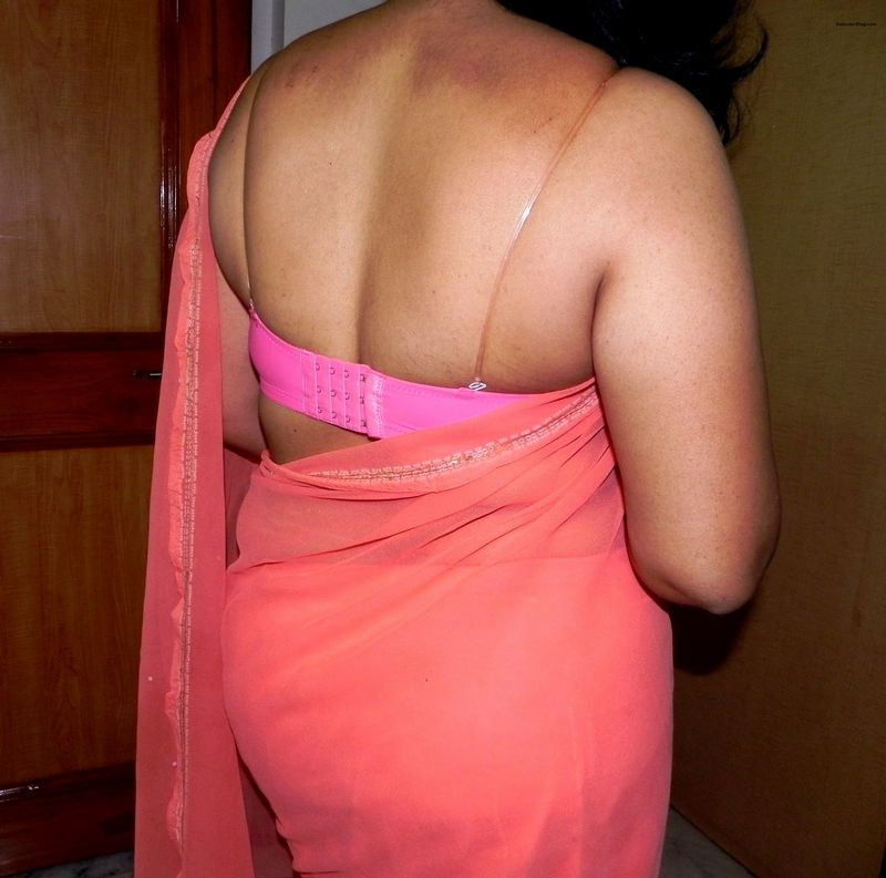 Assorted Pics of Hot Desi Housewife Posing in Transparent ...