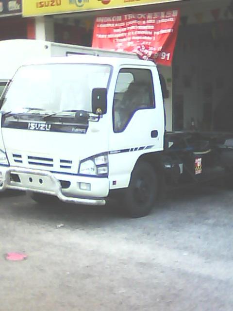 isuzu roro front