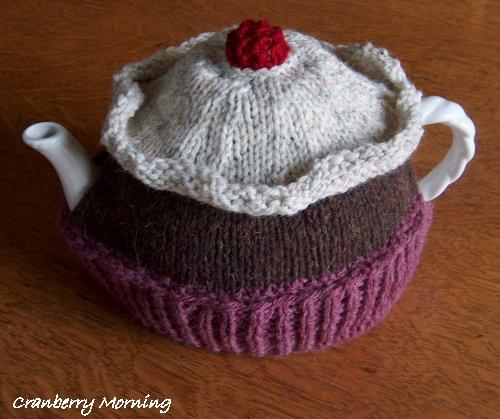 Cranberry Morning Cupcake Tea Cozy