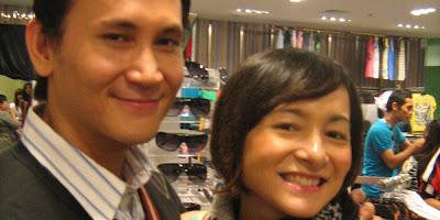Dewi Rezer Hamil dan Ketagihan Dipijat Suami