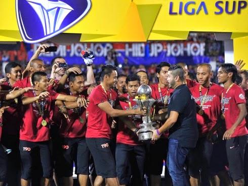 gambar jdt juara liga super malaysia 2014