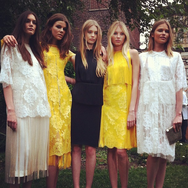Marlow35 stella mccartney resort 2013 garden party for What to wear to a garden party