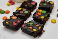Mørk sjokolade fudge med non-stop