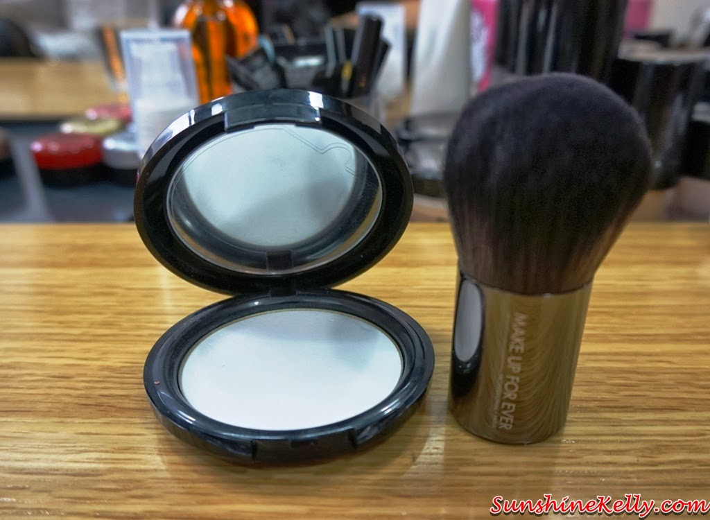 Make Up For Ever HD Makeup, MUFE, Make Up For Ever, Make Up For Ever HD Pressed Powder, Kabuki Brush