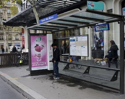street marketing arrêt de bus JC decaux