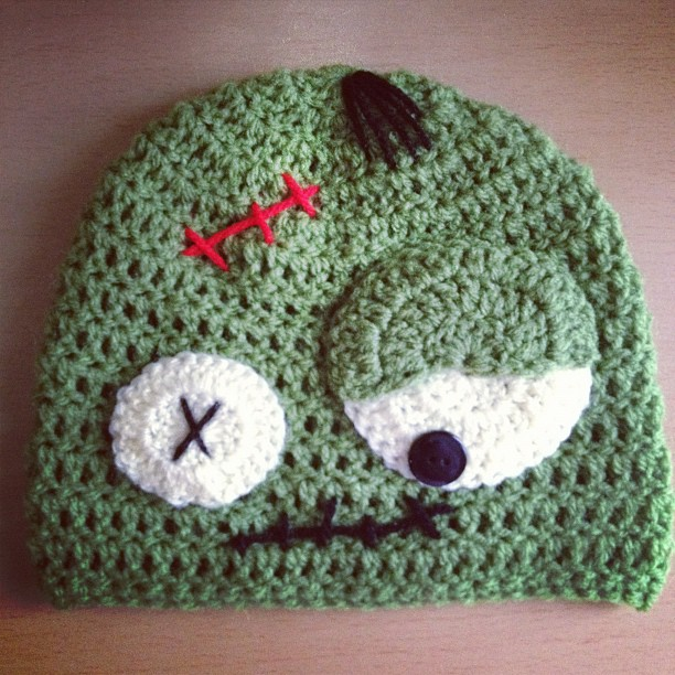 Crochet Zombie Patterns : Zombie+Crochet Angelas Crafts: Crochet zombie hat - Gorro de zombie en ...