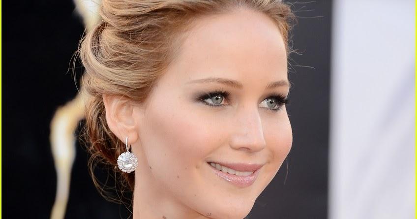 Celeb Diary: Jennifer Lawrence @ The Oscars 2013