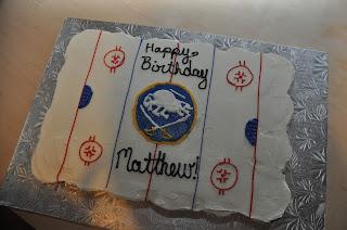 Hockey cupcake cake