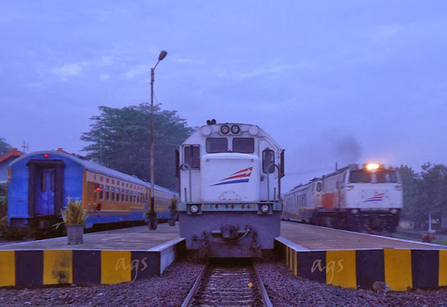 Gambar kereta api