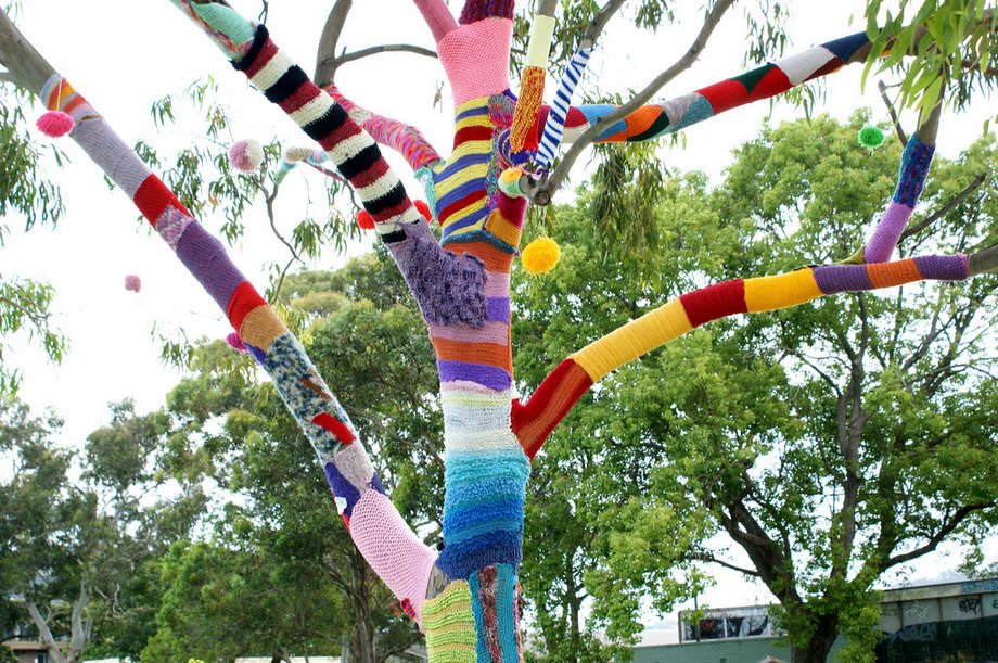 Knitting Trees Art : Amazing street art with urban knitting