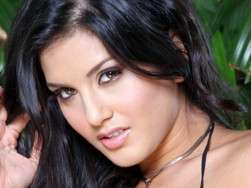 Top 101 Reviews: Sunny Leone HD Wallpapers