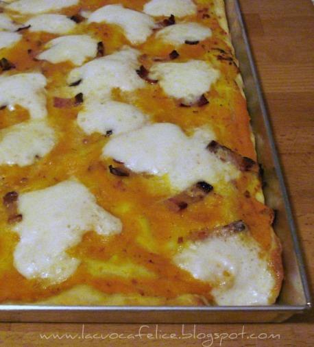 pizza+con+crema+di+zucca+ritoccata.jpg