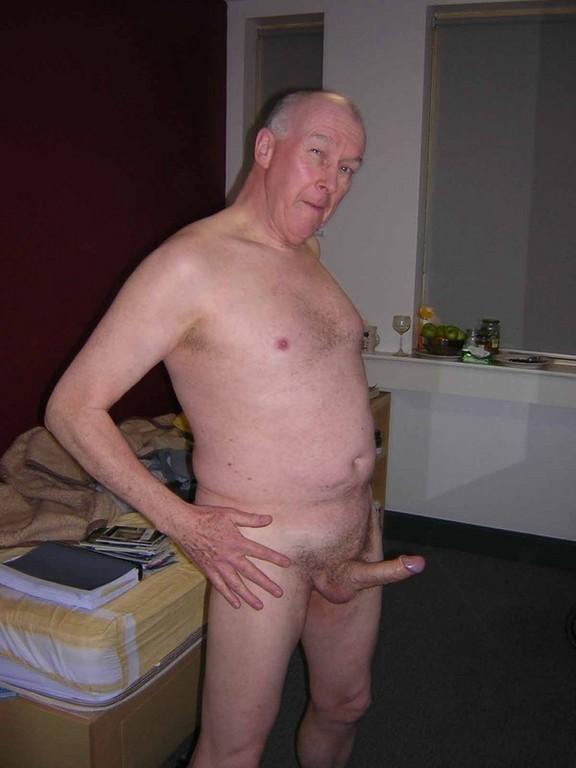 Amateur sucks oldman dick before analsex 5