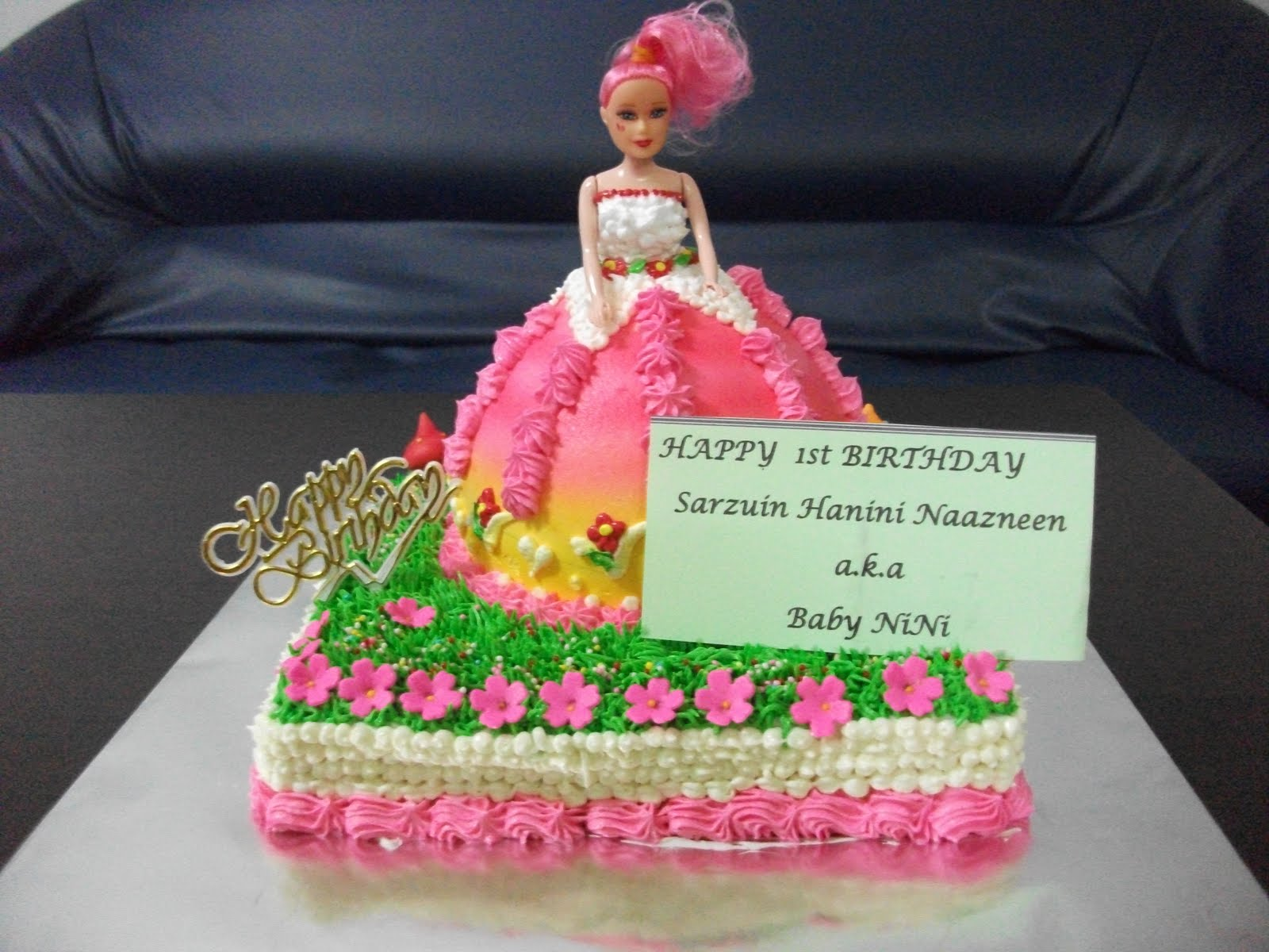 MyPrincessCupcake Cartoon cupcakes And Barbie Doll Birthday Cake