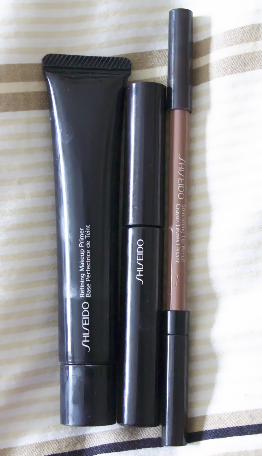 Lastly, I've been trying out some of the Shiseido makeup for the first time. I have the Refining Makeup Primer, Nourishing Mascara Base and a lip pencil in ...