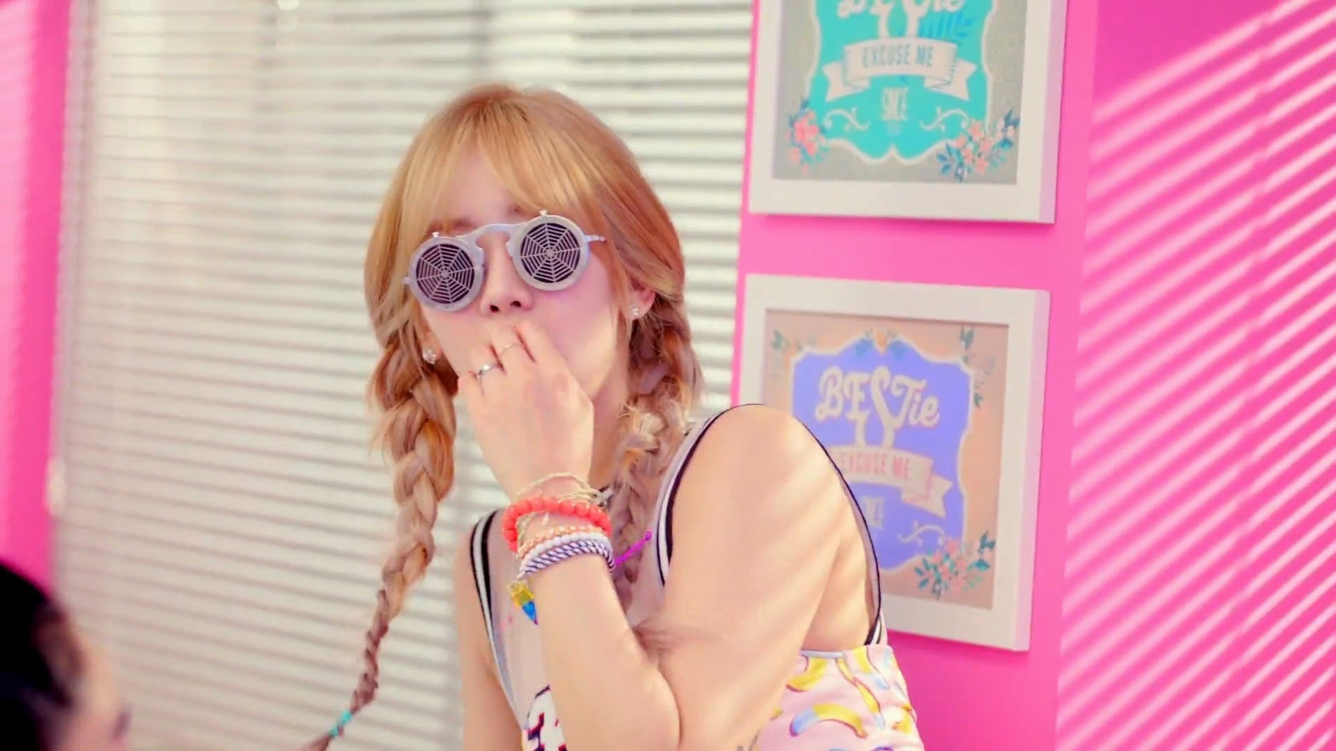 Bestie's Hyeyeon from Excuse Me Teaser