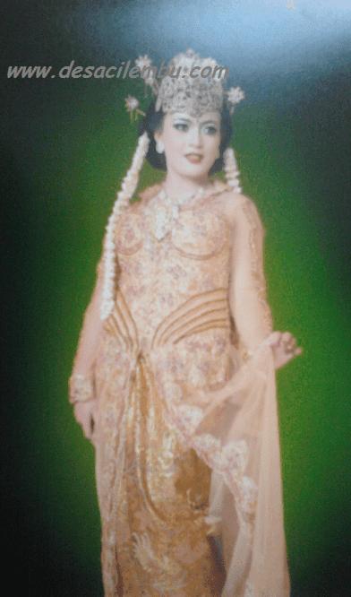 Rias Pengantin Juju Salon 1985
