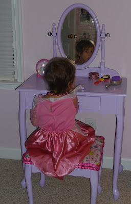 diy girl's vanity