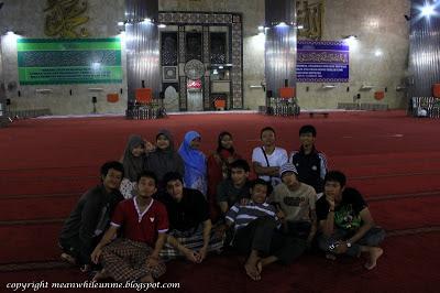 Bergaya di Dalam Masjid Istiqlal