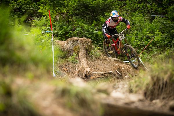 2015 Leogang UCI World Cup Downhill: Race Highlights Brook Macdonald