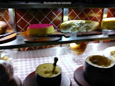 Cantina Cortile: Opções de Antepastos (Queijos)