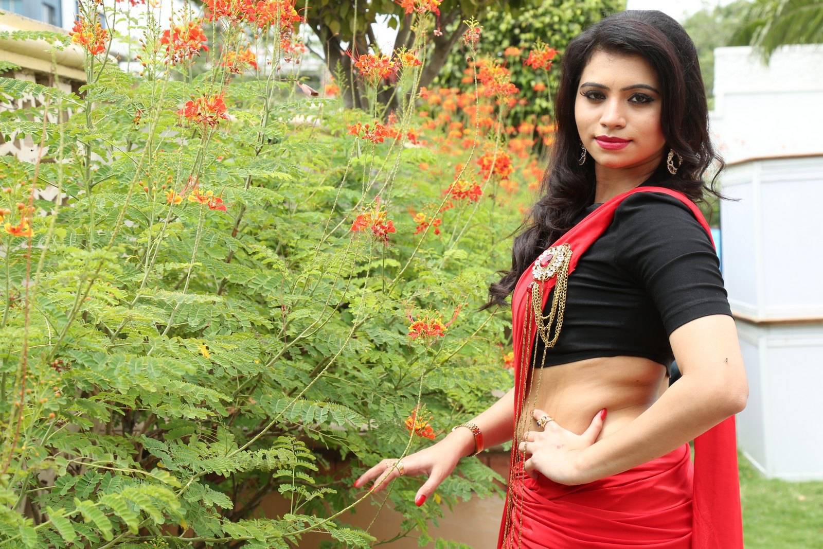 Pics photos kerala chechi mulakal picture - Kerala Kambi Kathakal Mallu Kambi
