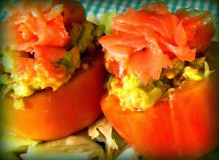 Tomates rellenos con salmón