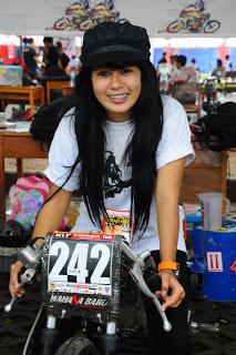 Biodata Lengkap Pembalap Cantik Indri Barbie Pemain Aanak Jalanan RCTI