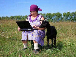 smiješne slike Laptop, bakica i koza