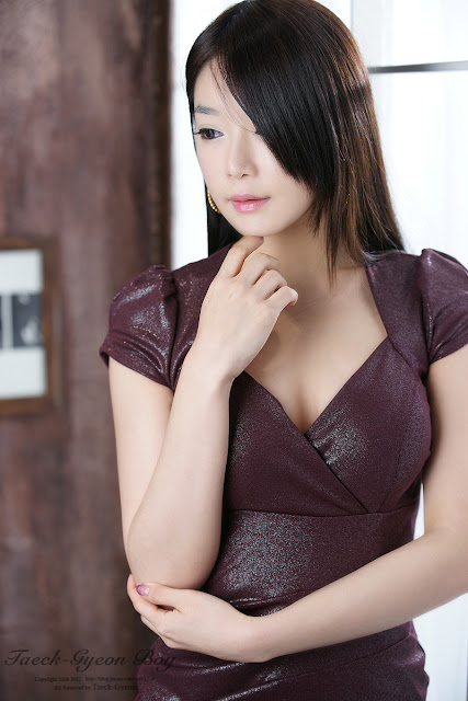 3 Lee Eun Seo - Maroon Mini Dress-very cute asian girl-girlcute4u.blogspot.com