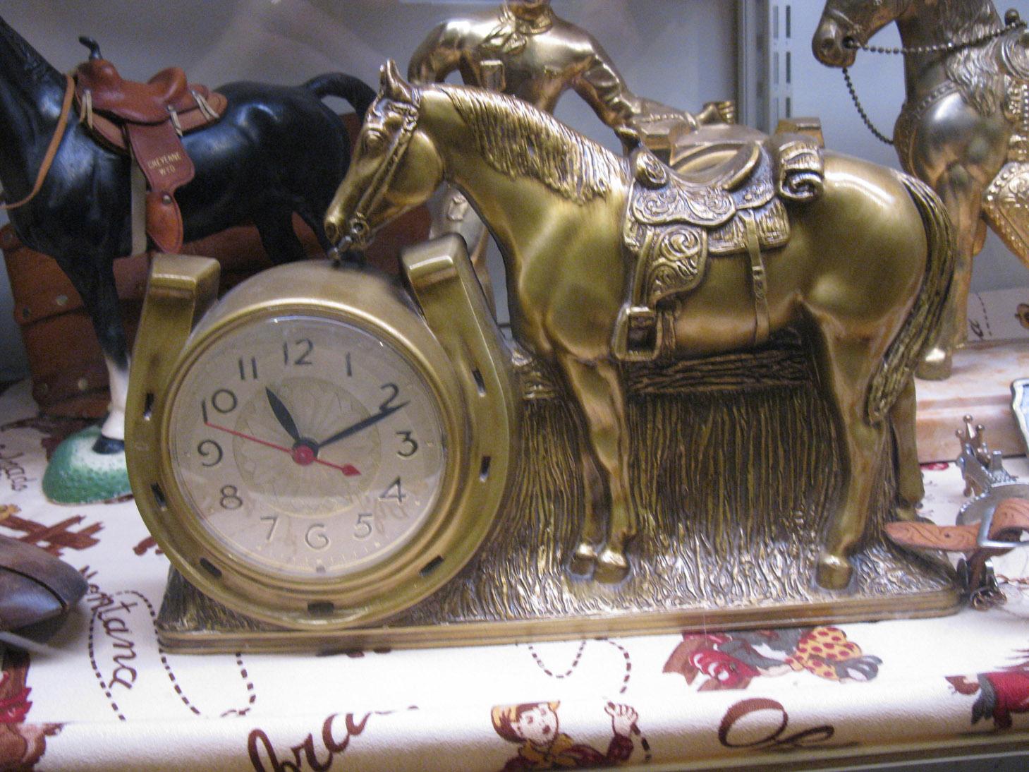 http://4.bp.blogspot.com/-PHdjYDrCsqw/TiooZ2RsaRI/AAAAAAAAE1U/5R1IGBeGwRw/s1600/cj-horseclock.jpg