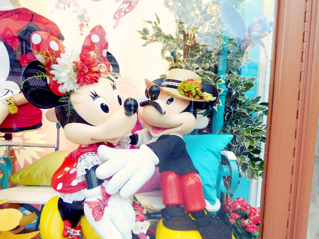 vitrine minnie et mickey