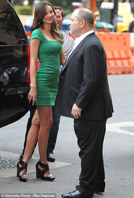 Sandal Sisean Is Green Goddess Miranda Kerr Trying To Get