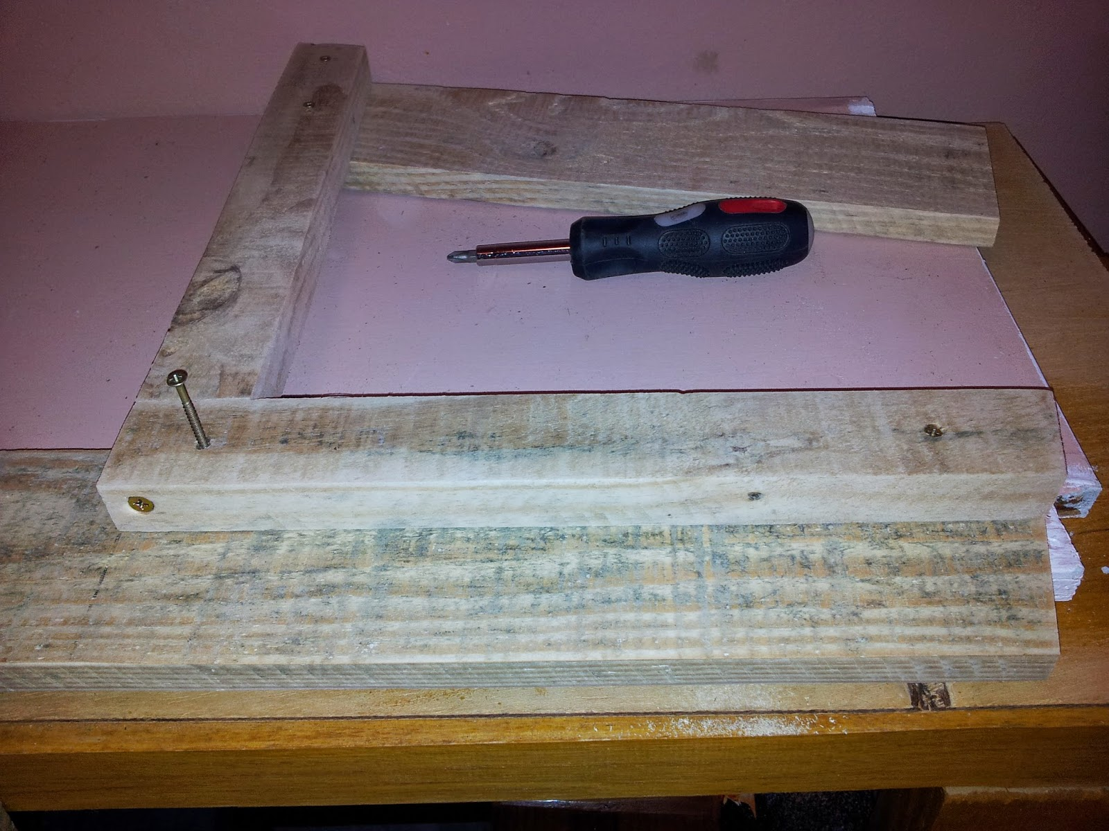 Oficina do Quintal: Como fazer banco de madeira com encosto #876838 1600x1200