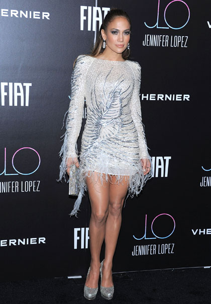 Jennifer%252BLopez%252BEmilio%252BPucci%252BAMA11%252BAP%252B1 Who wore it better : Jennifer Lopez vs Eva Herzigova in Emilio Pucci